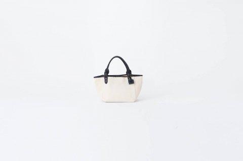 CHELSEA XS bag<br>(チェルシーXSバッグ)<br><WHITE>
