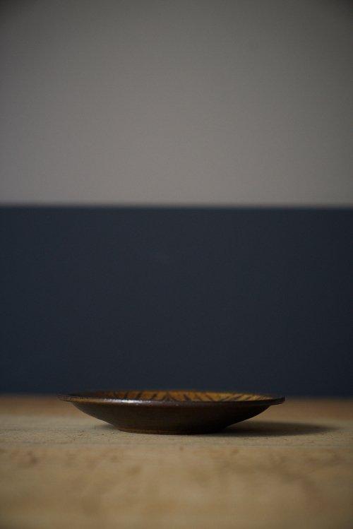 鉄絵六寸皿