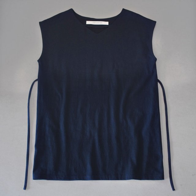 French sleeve  v neck-string   navy
