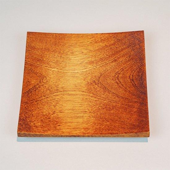 角皿(漆)<br>(約144 × 144 × 23 mm)