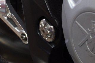 DBT Design チタニウムスイングアームピポットプラグ セット 2 pcs for MV AGUSTA F3 / BRUTALE 675 / BRUTALE 800 / RIVALE 800