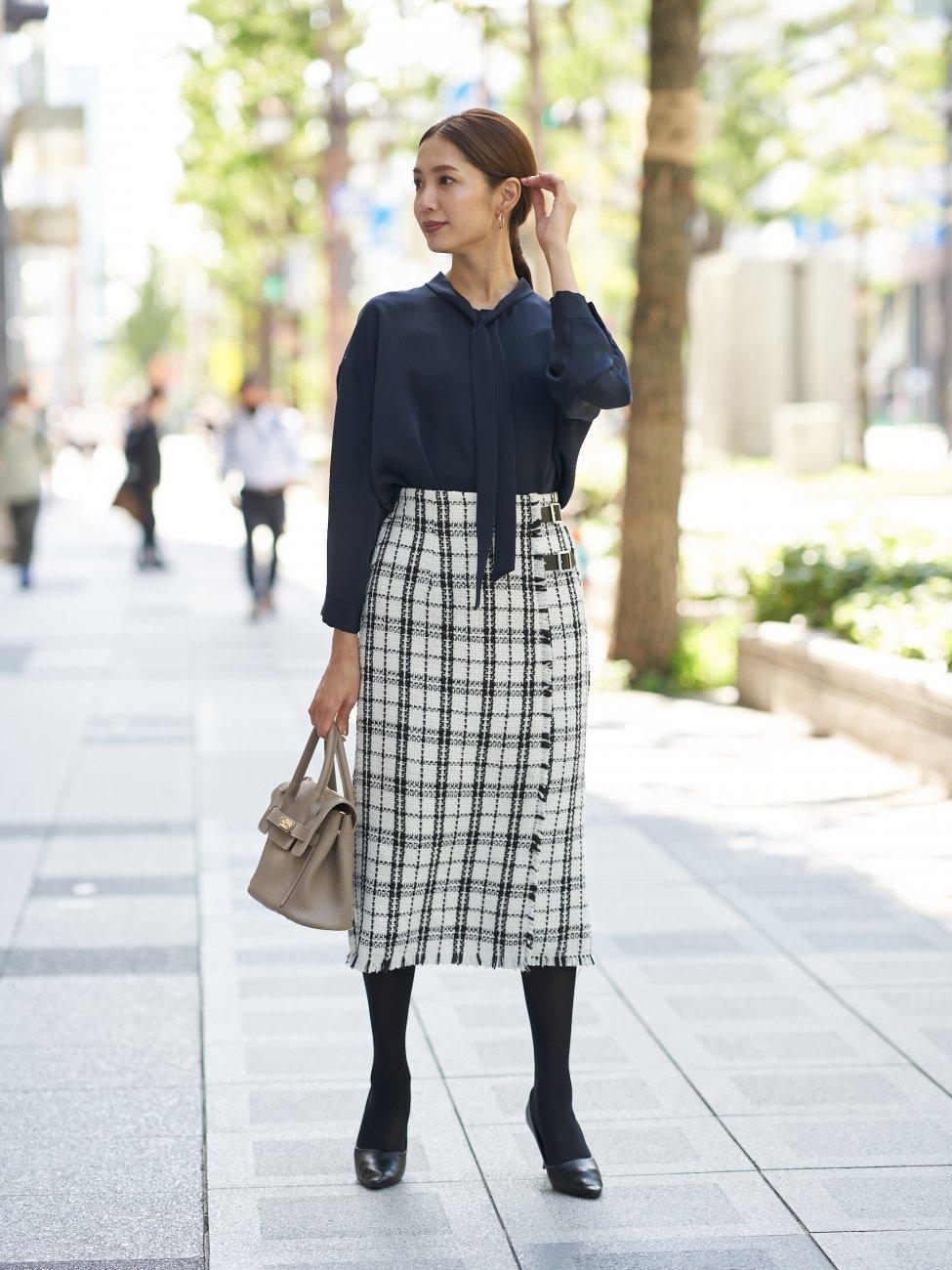 2wayボウタイシャツ×タイトスカート