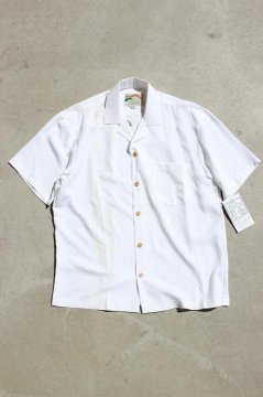 <img class='new_mark_img1' src='https://img.shop-pro.jp/img/new/icons20.gif' style='border:none;display:inline;margin:0px;padding:0px;width:auto;' />PARADISE FOUND/PALM SHADOW ALOHA SHIRTS