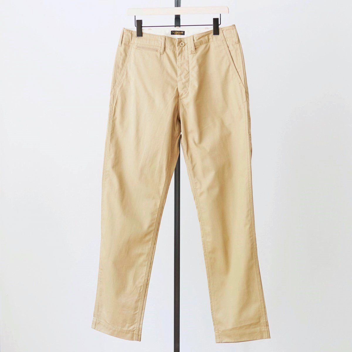 【AVONTADE アボンタージ】CLASSIC CHINO TROUSERS REGULAR FIT - BEIGE