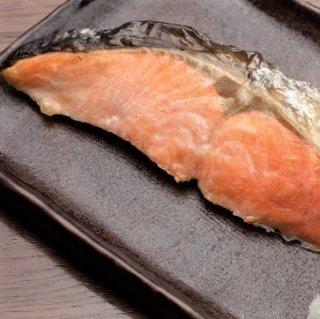 鮭オス塩切身100〜109gサイズ1切