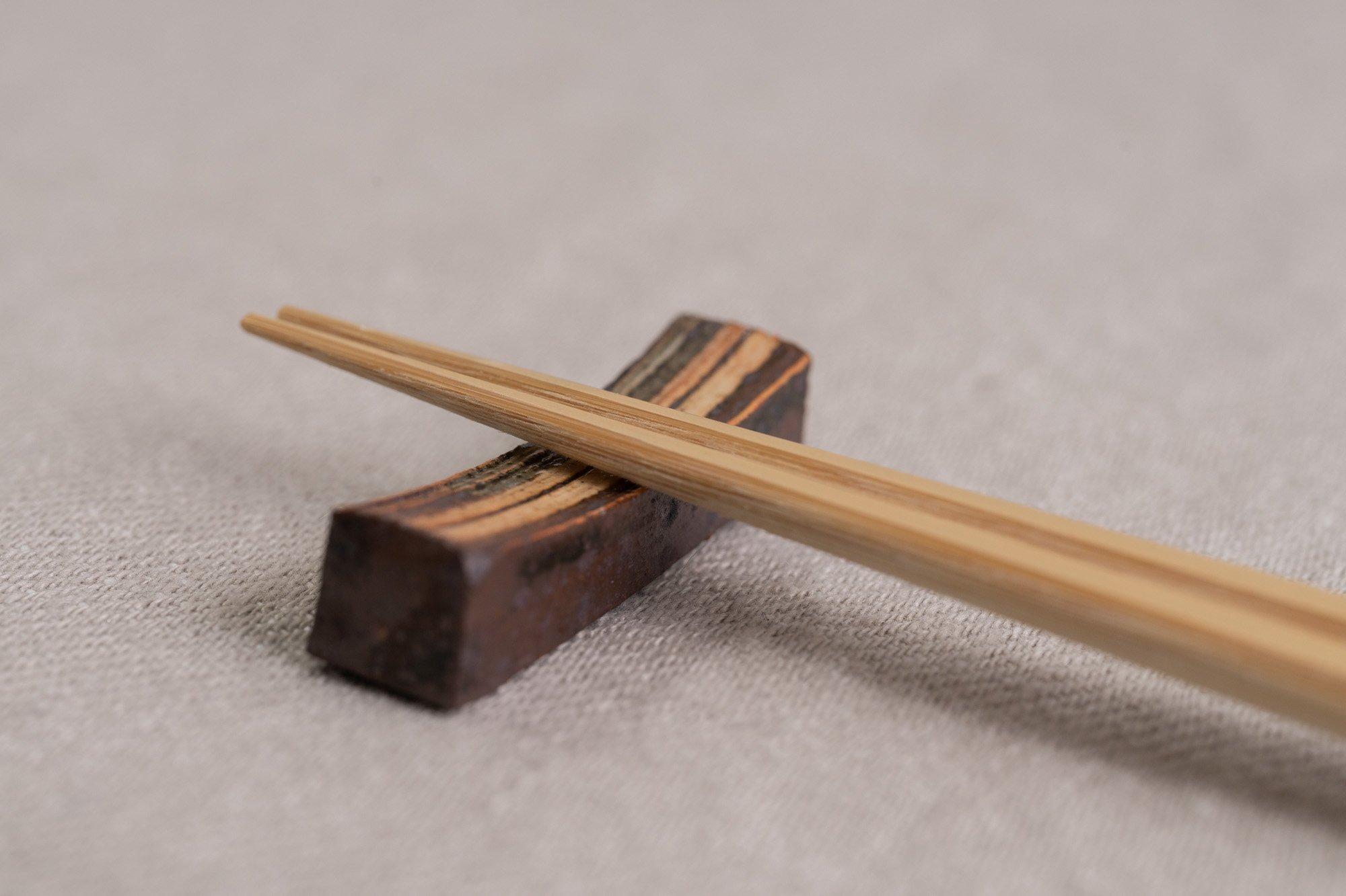 刷毛目箸置