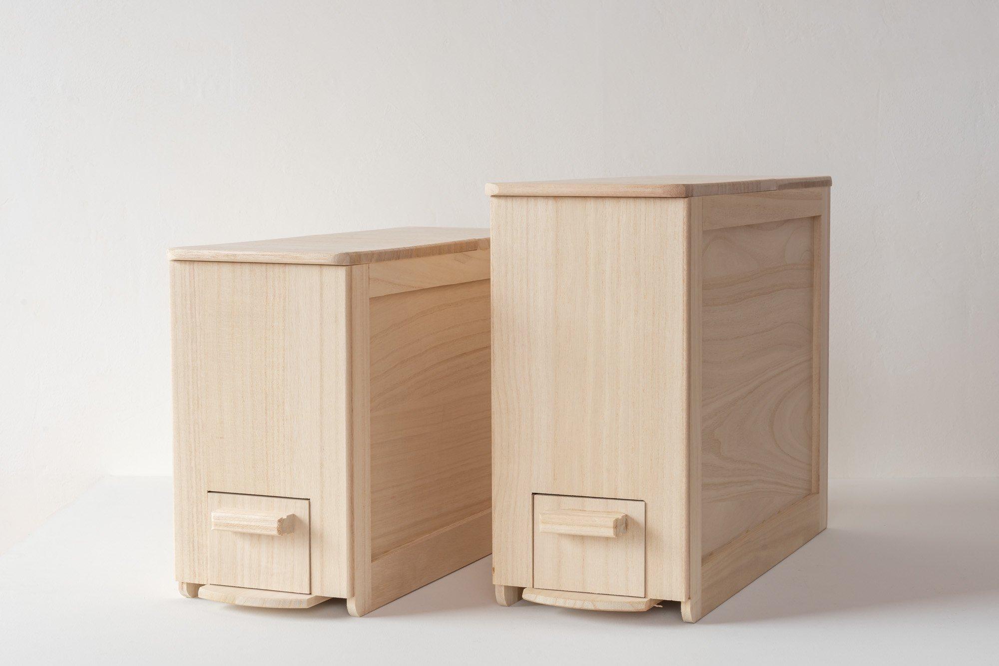 桐箱屋さんの米びつ