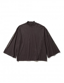 <img class='new_mark_img1' src='https://img.shop-pro.jp/img/new/icons21.gif' style='border:none;display:inline;margin:0px;padding:0px;width:auto;' />MOCKNECK FLARE SLEEVE L/S TEE