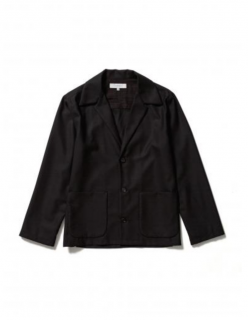 <img class='new_mark_img1' src='https://img.shop-pro.jp/img/new/icons21.gif' style='border:none;display:inline;margin:0px;padding:0px;width:auto;' />TAILORED SHIRT JACKET