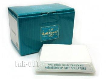WDCC 1996 メンバーギフト ディスプレイベース Membership Gift Sculpture フィギュア ディズニー フィギュアリン