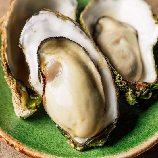 岩手三陸『眞さん』の殻付き熟成牡蠣 Mサイズ15個