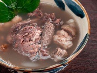 100%石垣島産 冷凍山羊汁    1パック1kg×2【石垣島ヤギ加工販売所】