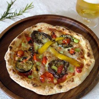 グリル野菜のナポリピザ