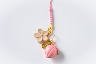 No.3 木彫りの桜と桃鈴