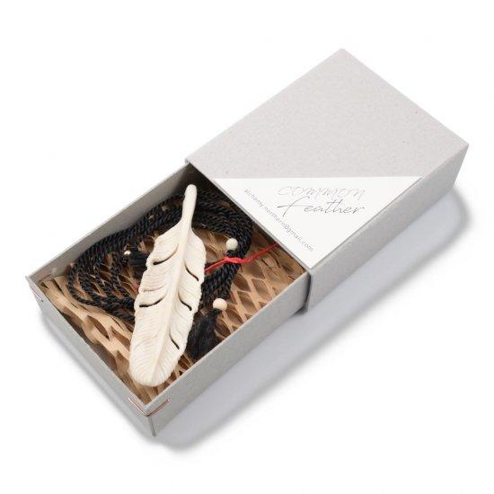 【福島町産蝦夷鹿の角×TEPPEI YAMAZAKIコラボ作品】鹿角フェザーペンダント( Lサイズ )