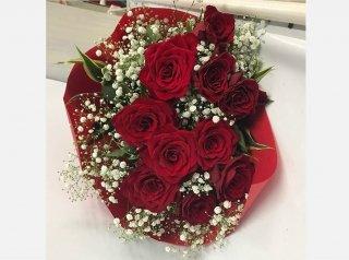 バラとかすみ草のスタンダード花束