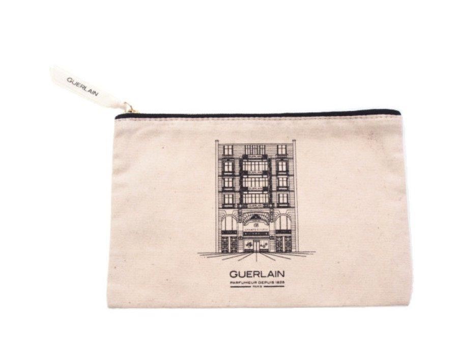 【新品】ゲラン GUERLAIN ノベルティ フラットポーチ ベージュ ゲランの贈り物の商品画像
