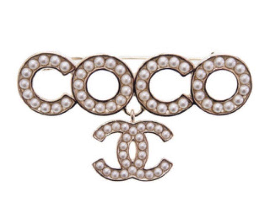 【新品】シャネル CHANEL ブローチ ラインパール 真珠 COCO ロゴ 2021SSの商品画像