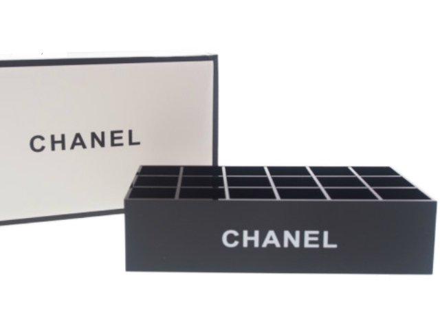 【新品】シャネル CHANEL ノベルティ アクリルケース 18マス スタンド 箱付 ブラックの商品画像