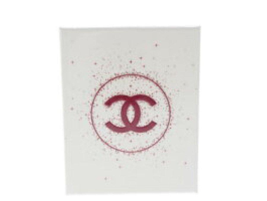 【新品】シャネル CHANEL ラッピング ギフトボックス クリスマスコフレ 空箱 白の商品画像