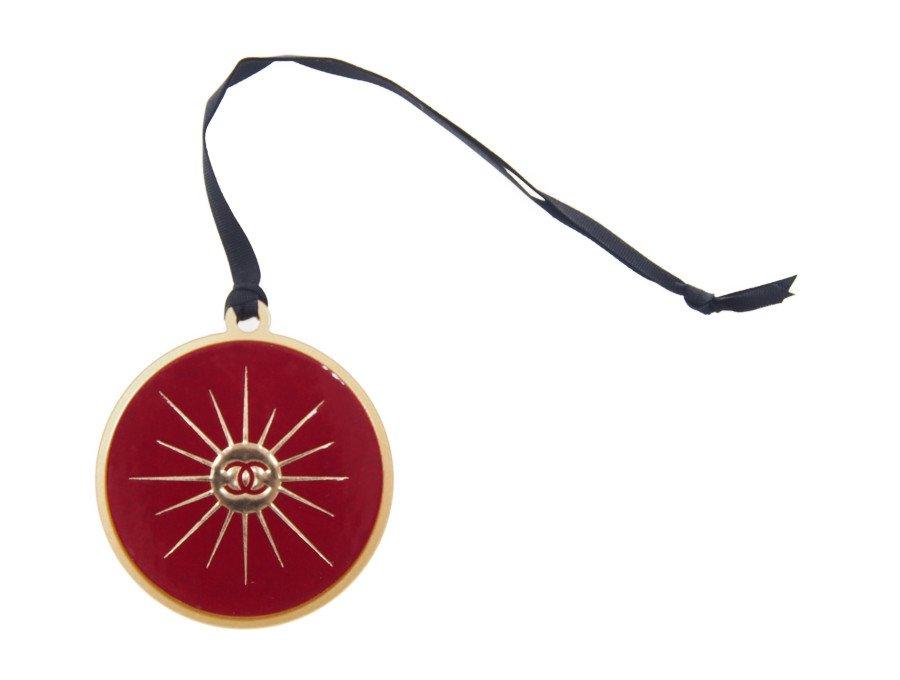 【新品】シャネル CHANEL ノベルティ バッグチャーム ココマーク 光 レッド/ゴールドの商品画像
