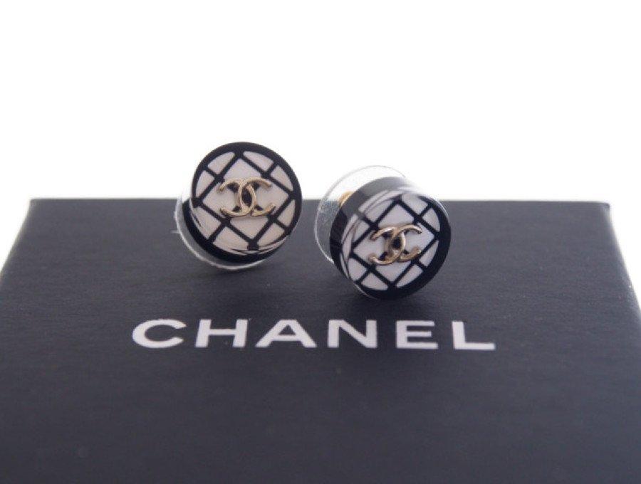 【新品】シャネル CHANEL ピアス キャッチ式 コスチュームジュエリー CCココマーク チェック ホワイト ブラックの商品画像