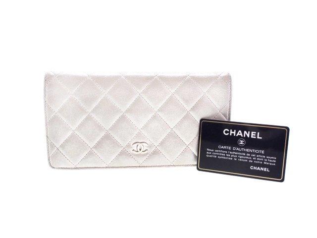 【中古】シャネル CHANEL マトラッセ 二つ折り 長財布 ロングウォレット ラムスキン シルバーホワイトの商品画像