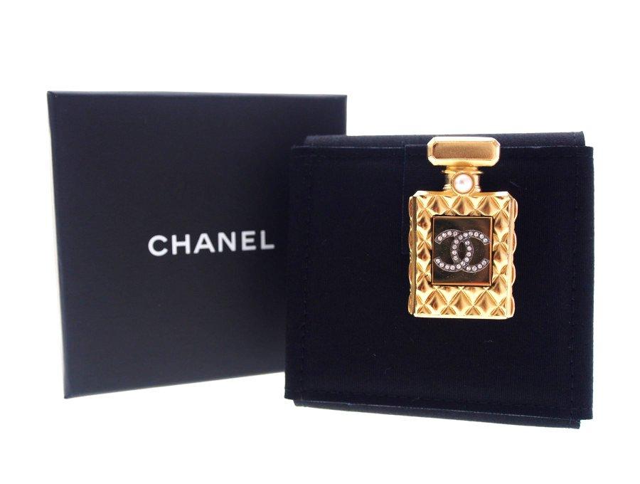【新品】シャネル CHANEL ブティック ブローチ 香水瓶モチーフ コスチュームジュエリー パール CCラインストーン ゴールドの商品画像