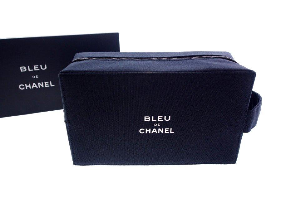 【新品】シャネル CHANEL ノベルティ クラッチバッグ セカンドバッグ 持ち手付き BLUE DE CHANEL 希少品 1点物 ネイビー 濃紺 元箱付きの商品画像
