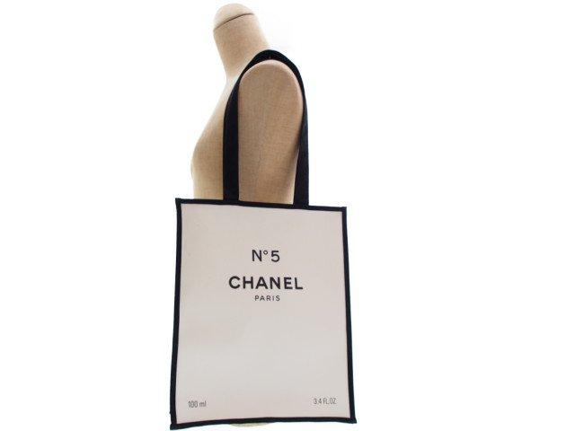【新品】シャネルパフューム CHANEL ノベルティ トートバッグ No.5 香水箱 ホワイト 「N°5」100周年記念限定の商品画像