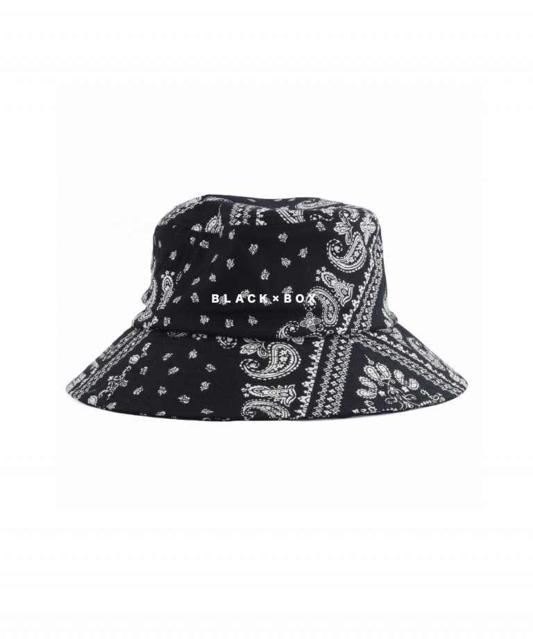 <img class='new_mark_img1' src='https://img.shop-pro.jp/img/new/icons8.gif' style='border:none;display:inline;margin:0px;padding:0px;width:auto;' />BLACK×BOX Paisley Embroidery Bucket Hat BLK