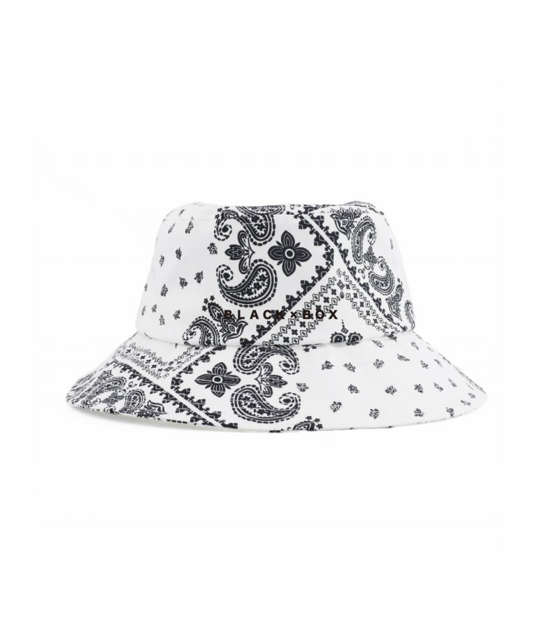 <img class='new_mark_img1' src='https://img.shop-pro.jp/img/new/icons8.gif' style='border:none;display:inline;margin:0px;padding:0px;width:auto;' />BLACK×BOX Paisley Embroidery Bucket Hat WHT