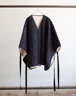 <img class='new_mark_img1' src='https://img.shop-pro.jp/img/new/icons13.gif' style='border:none;display:inline;margin:0px;padding:0px;width:auto;' />QUILTING OVER PONCHO (NAVY)