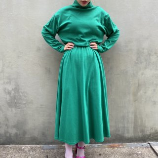 <img class='new_mark_img1' src='https://img.shop-pro.jp/img/new/icons14.gif' style='border:none;display:inline;margin:0px;padding:0px;width:auto;' />Green Turtle Plane Flare Dress