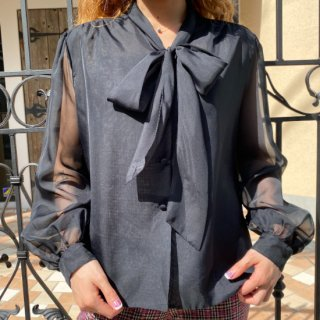 <img class='new_mark_img1' src='https://img.shop-pro.jp/img/new/icons14.gif' style='border:none;display:inline;margin:0px;padding:0px;width:auto;' />Black Bow Tie See through Blouse
