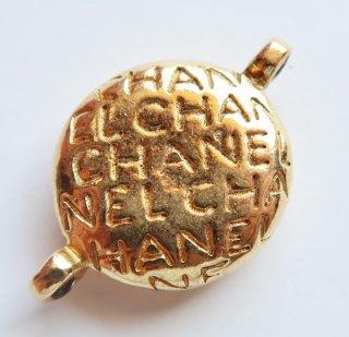 542-3 CHANEL VINTAGE(シャネル ヴィンテージ)CHANEL ロゴ リバーシブル ラウンド チャーム