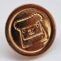 660 CHANEL VINTAGE(シャネル ヴィンテージ)マトラッセ バッグ cocoマーク デザイン  ボタン ゴールド