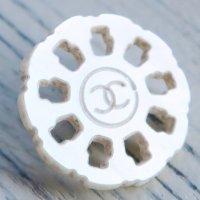 716 CHANEL(ヴィンテージ シャネル) COCOマーク ボタン ホワイト