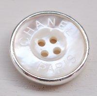 852-2 CHANEL(ヴィンテージ シャネル)CHANEL ロゴ デザイン ボタン シルバー