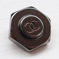 913 CHANEL(ヴィンテージ シャネル)COCOマーク デザイン ボタン ブラックシルバー