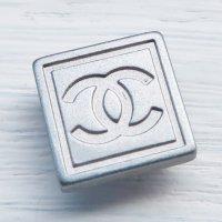 928 CHANEL(ヴィンテージ シャネル)COCOマーク スナップボタン シルバー