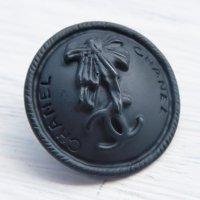 929 CHANEL(ヴィンテージ シャネル)ロゴ リボン COCOマーク ボタン ブラック