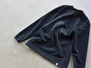 and wander アンド ワンダー / embos logo long sleeve T black