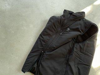 SOUTH2 WEST8 / Insulator Vest - Poly Peach Skin black
