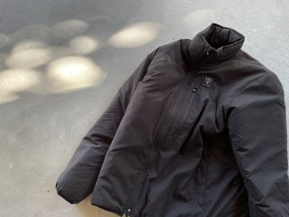 SOUTH2 WEST8 / Insulator Jacket - Poly Peach Skin black