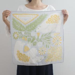 福田利之さんイラスト 正方形のダブルガーゼ Mサイズ 白熊と植物(グレー)